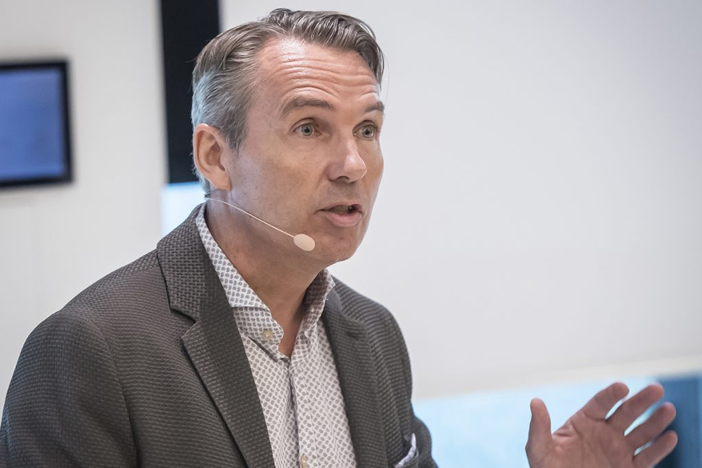 Dr. Roland Glauser präsentiert das neueartige Versorgungskonzept On1